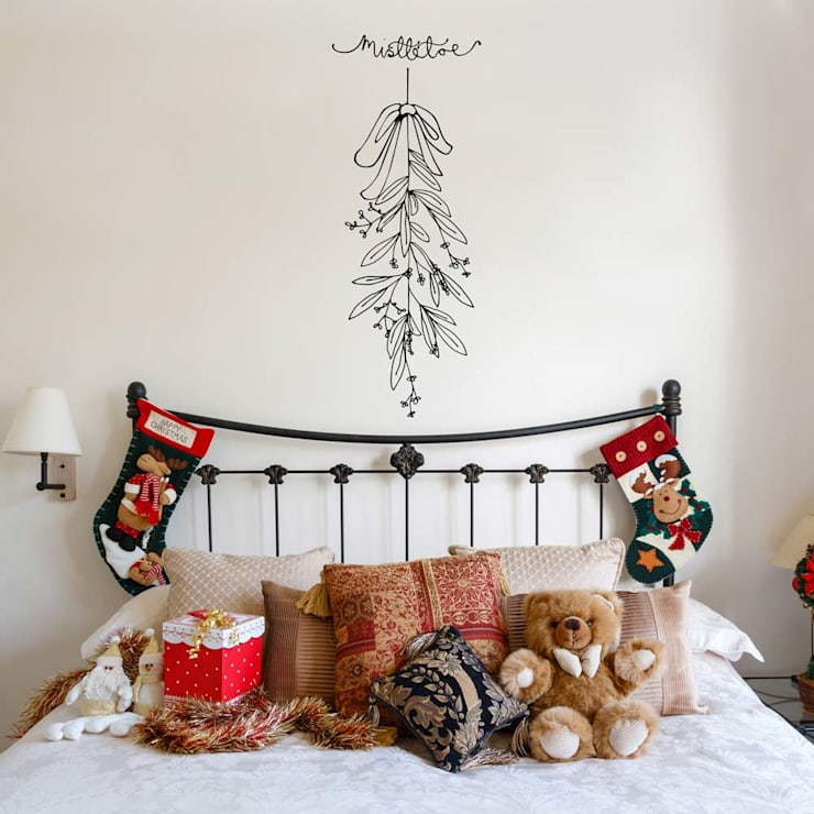 Mistletoe Christmas decoration wall sticker:  Walls & flooring by Vinyl Impression