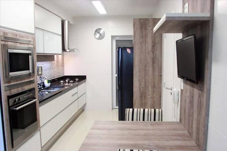 Cozinha: Cozinha  por Casa Decora - Móveis e Decoração
