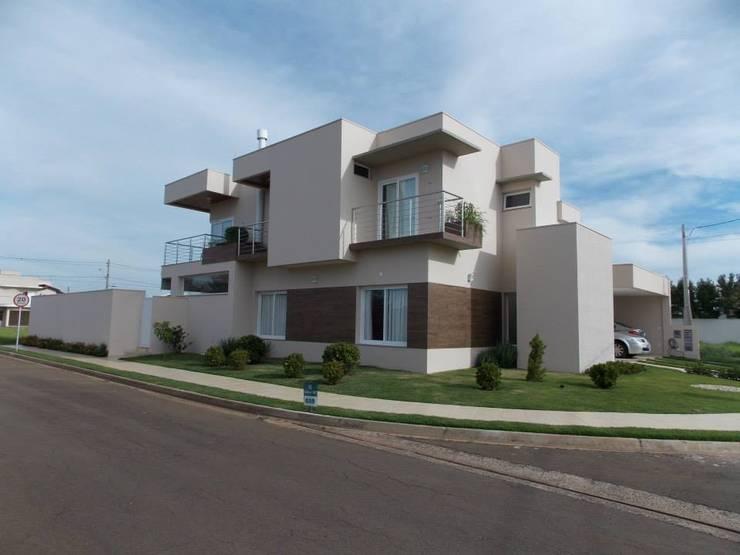 Casa Montreal:   por BAOS arquitetura + construtora