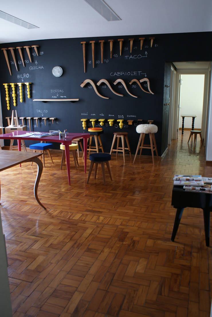 Ateliê Conceito Move Móvel: Escritório e loja  por Move Móvel  Criação de Mobiliário,