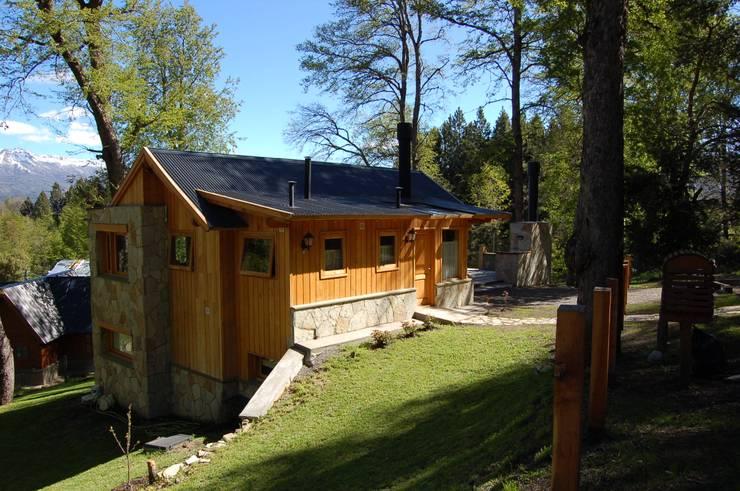 Casa Los Robles – San Martin de los Andes Casas clásicas de Aguirre Arquitectura Patagonica Clásico Piedra