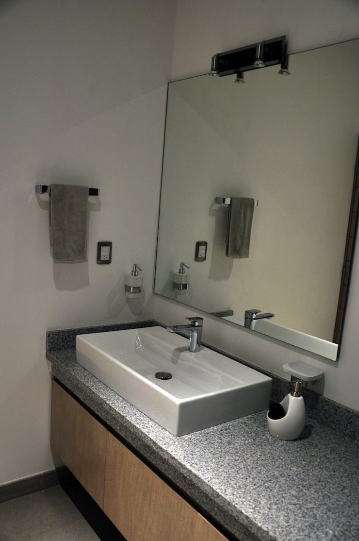 Detalle de bano: Baños de estilo  por fc3arquitectura