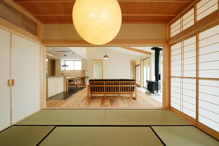 視聽室 by 株式会社kotori
