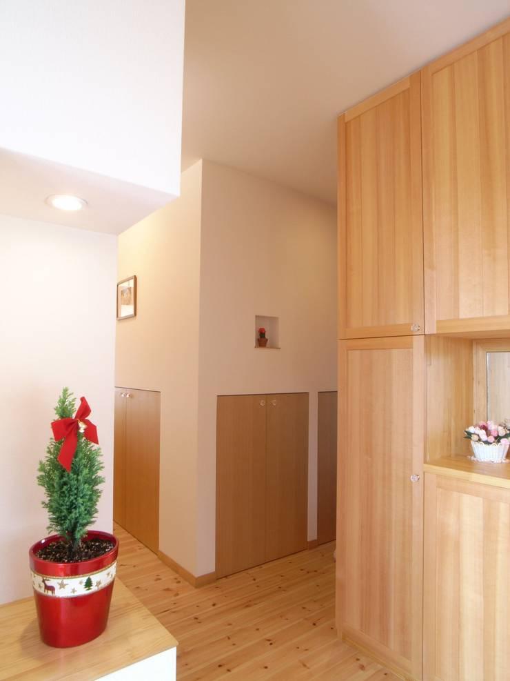 平尾の家: 株式会社 atelier waonが手掛けた窓です。