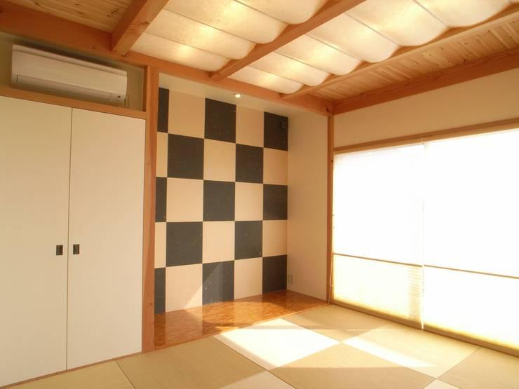 平尾の家: 株式会社 atelier waonが手掛けた和室です。