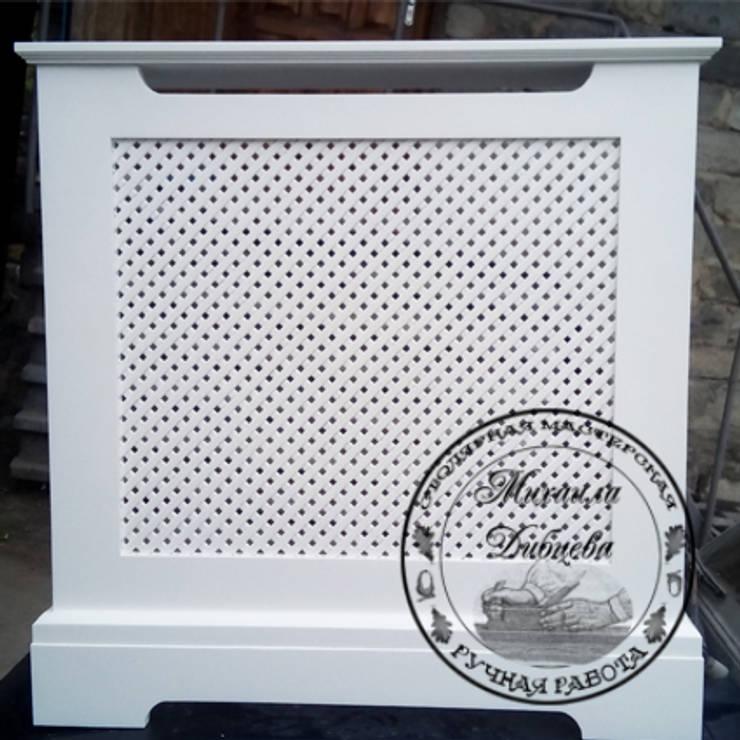 Декоративный экран для батареи (радиаторная решетка): Гостиная в . Автор – Столярная мастерская Михаила Дибцева