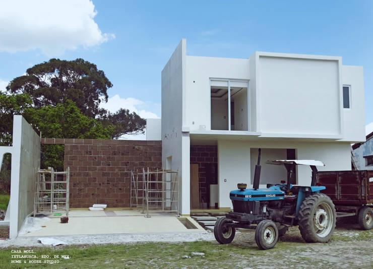 Proyecto Casa Moll : Casas de estilo  por Home & House Studio