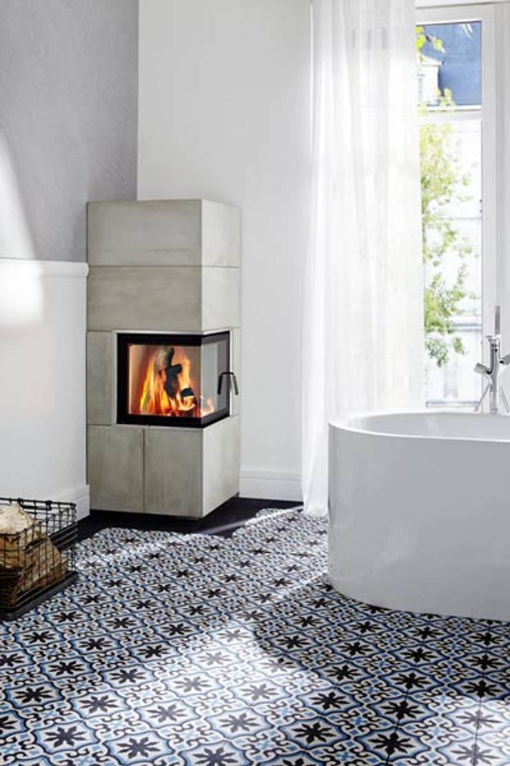 Salle de bains de style  par Articima