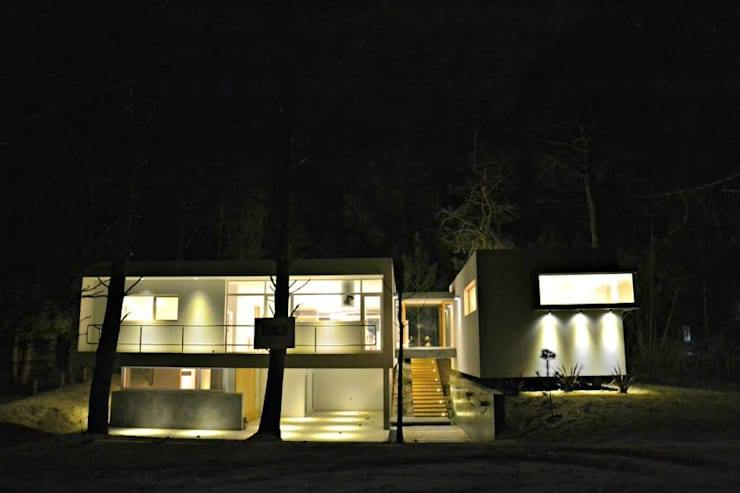 Vivienda Unifamiliar Cariló, Pinamar.: Casas de estilo moderno por Estudio 2001: