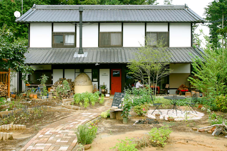 外観: 吉田建築計画事務所が手掛けたレストランです。,クラシック