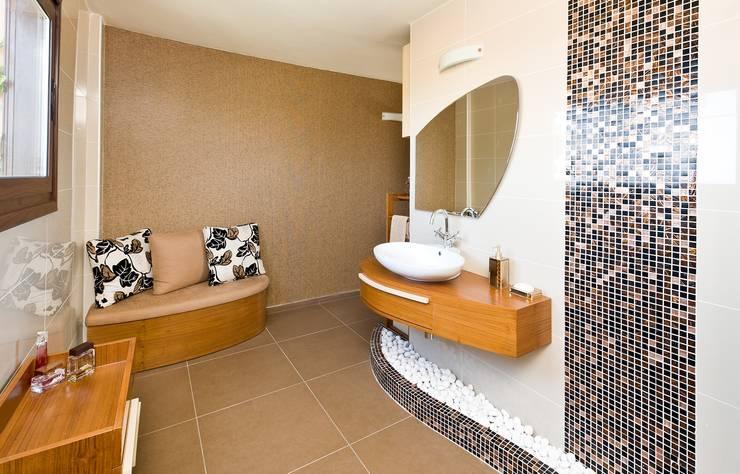 Şölen Üstüner İç mimarlık – Banyo tasarımı / Girne /  Kıbrıs: modern tarz Banyo