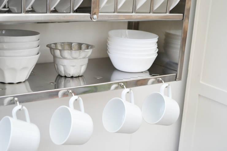 Cocina de estilo  por The Plate Rack,