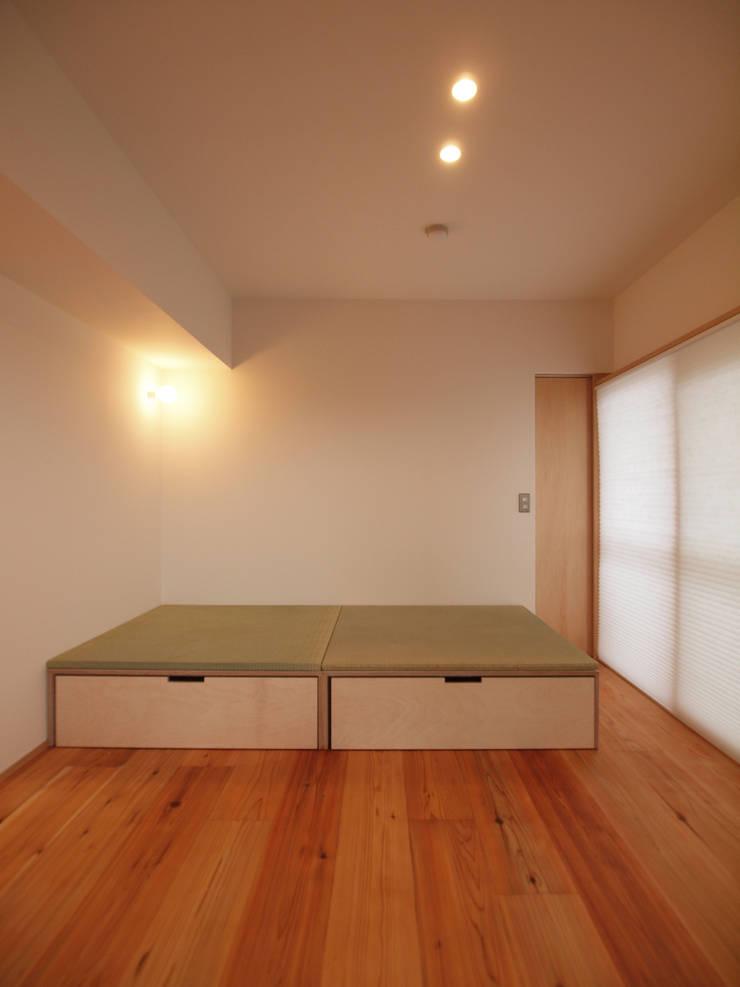 110cm角の小上がり畳: i think一級建築設計事務所が手掛けた多目的室です。