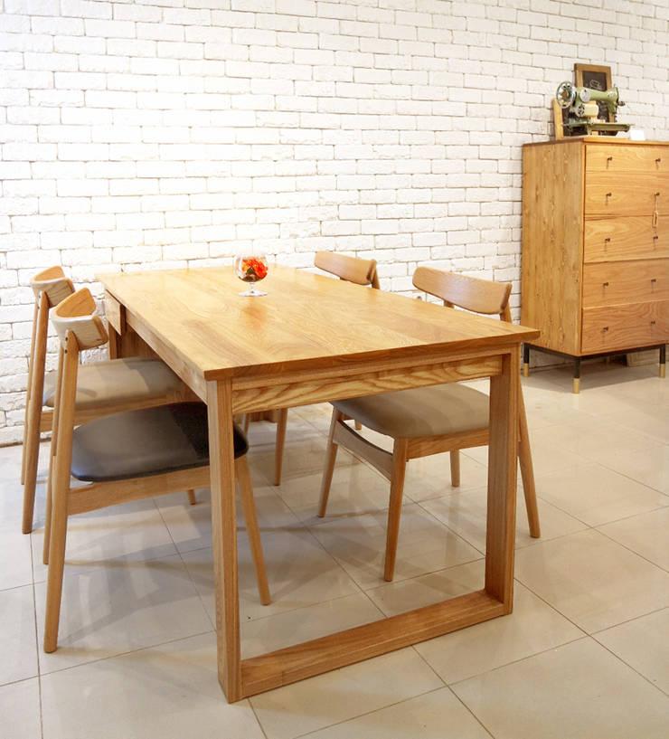 Ash family table: Design-namu의  다이닝 룸
