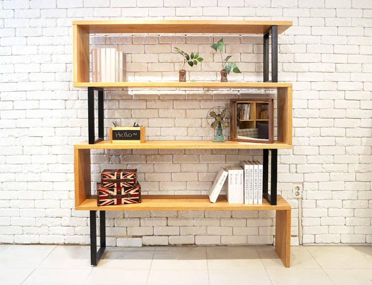Line bookchest : Design-namu의  거실