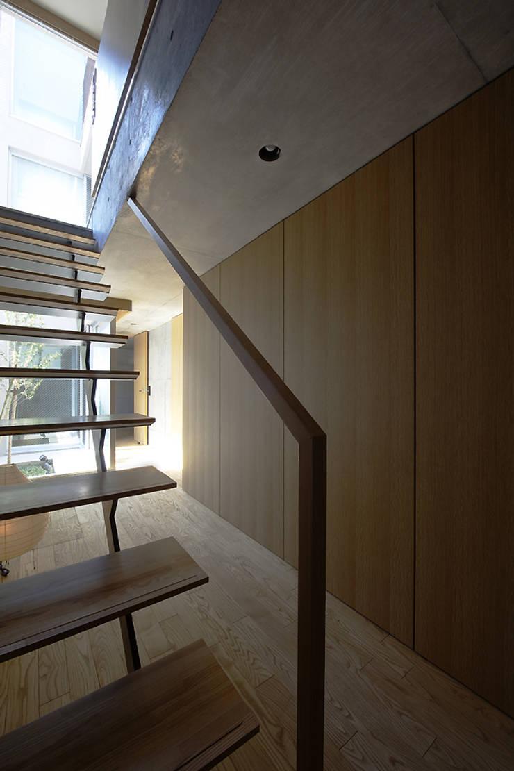 Hành lang theo 株式会社廣田悟建築設計事務所, Hiện đại Gỗ Wood effect