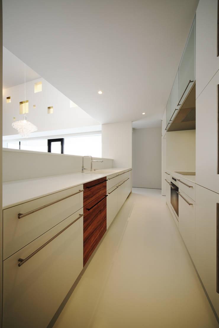 TT: 株式会社廣田悟建築設計事務所が手掛けたキッチンです。