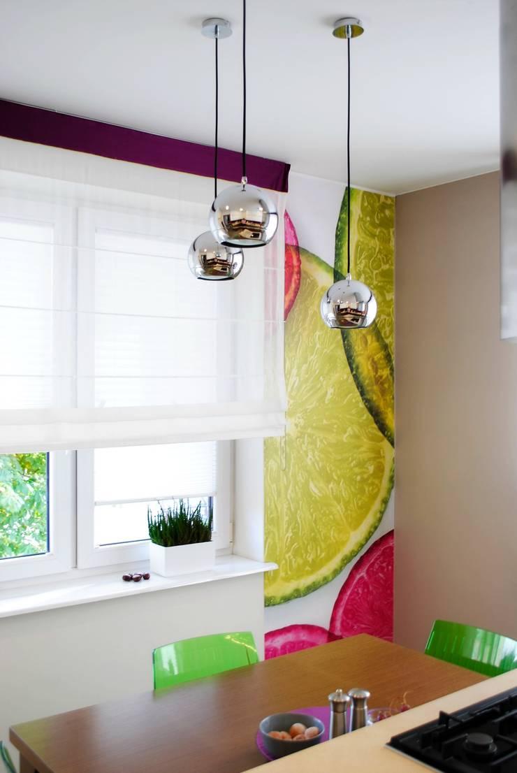 Projekt wnętrza pod Łodzią: styl , w kategorii Kuchnia zaprojektowany przez Projektowanie wnętrz Berenika Szewczyk,Nowoczesny
