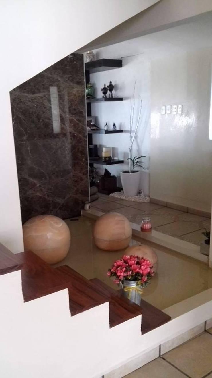 Diseno de Interiores: Salas de estilo  por Diseno de interiores y asesoria