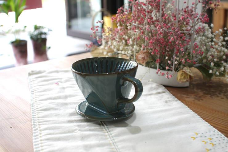 클래식 칼리타 도자기 드리퍼: 깐마네 공방의  주방