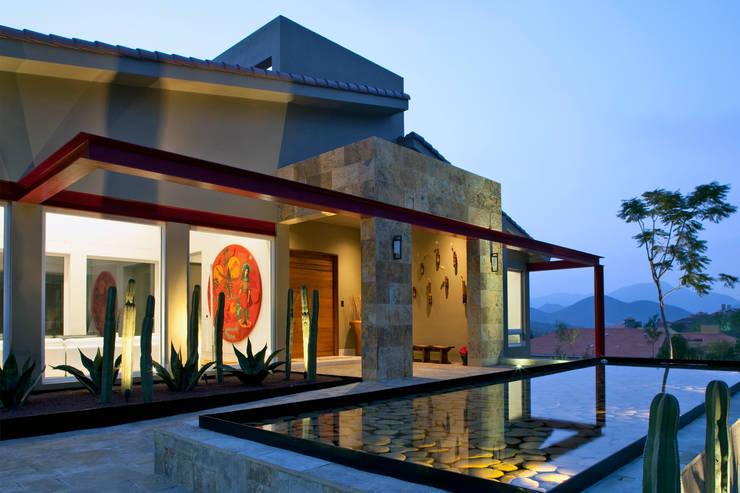 Casas de estilo  de Adrián Martínez Arquitectos