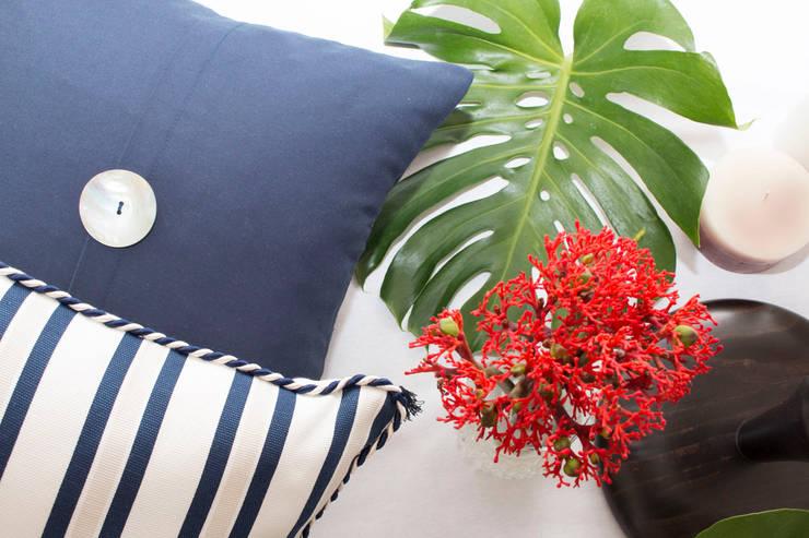 OIA: Sala de estar  por ORCHIDS LOFT