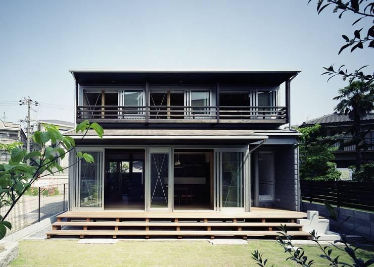 Houses by 吉元一成アトリエ, Modern Wood Wood effect