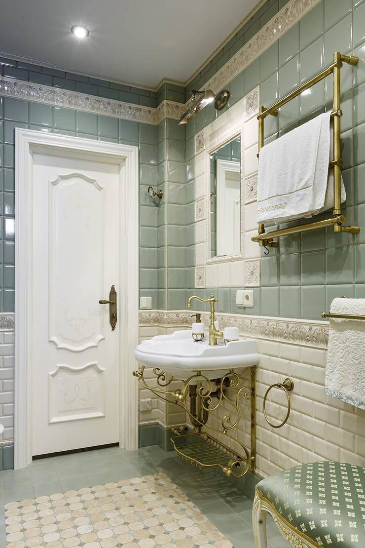 квартира на ВО, Галерный проезд д.5.: Ванные комнаты в . Автор – Valeria Ganina, Классический