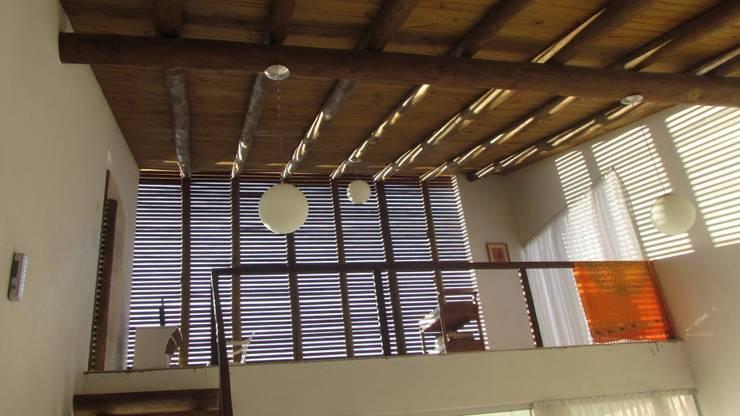 CASA ECOLÓGICA III: Corredores e halls de entrada  por alexis vinícius arquitetura e design
