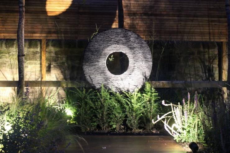 The Grove:  Garden by Bestall & Co Landscape Design Ltd