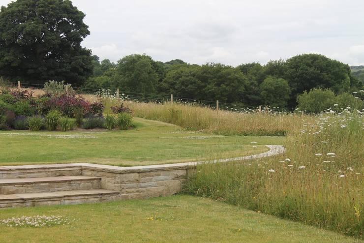 Taman oleh Bestall & Co Landscape Design Ltd