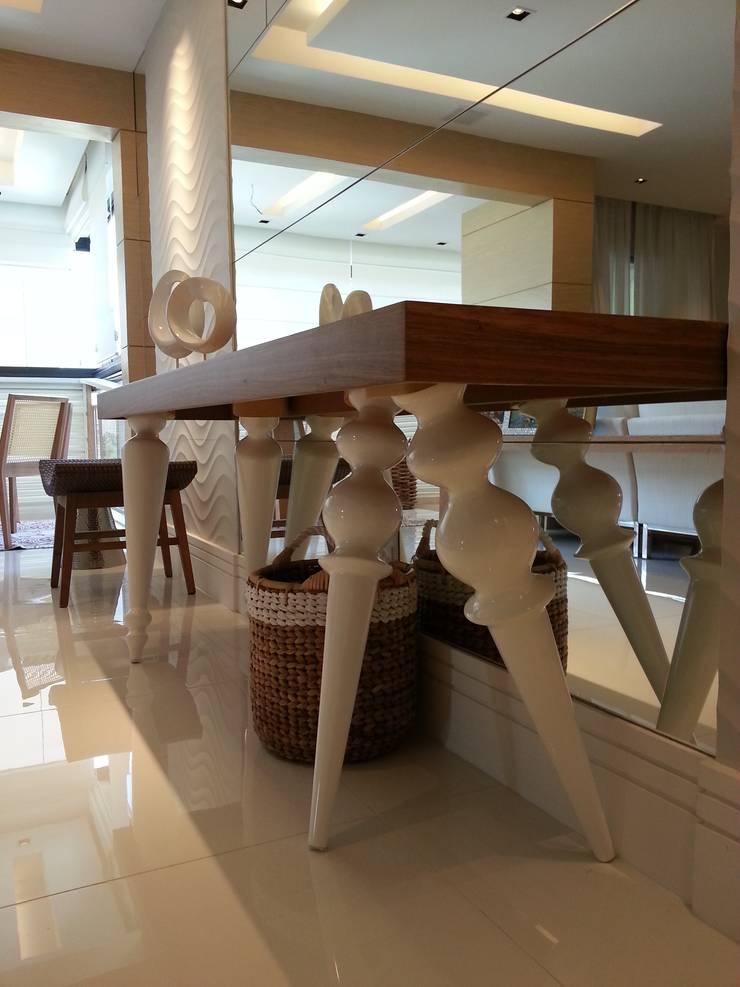 Detalhes living.: Salas de estar  por Lucio Nocito Arquitetura e Design de Interiores