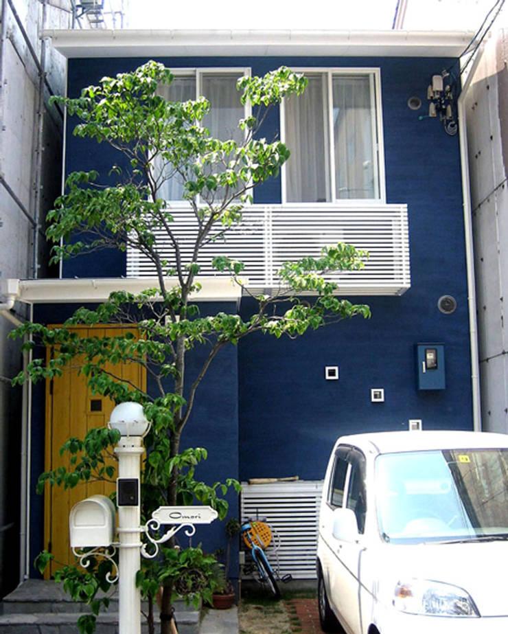 青の左官材料仕上の外壁: あお建築設計が手掛けた家です。