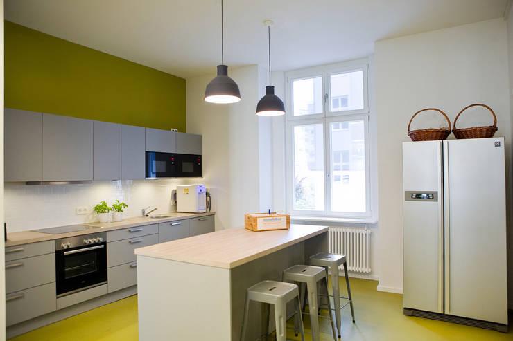 Cocinas de estilo  por Sabine Oster Architektur & Innenarchitektur (Sabine Oster UG), Moderno