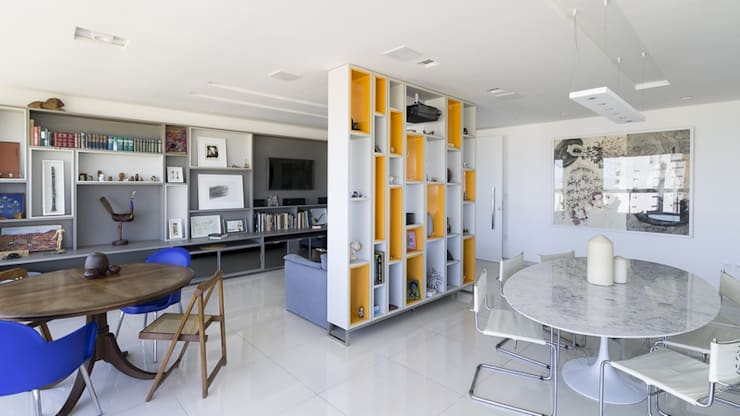 modern Living room by Lyssandro Silveira