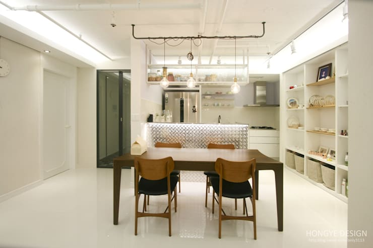 Kitchen by 홍예디자인