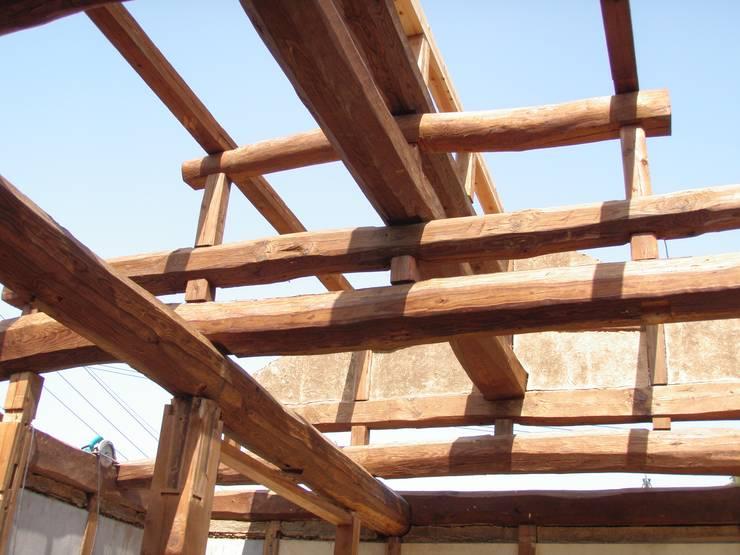 昭和25年当時のままの小屋組み: 一級建築士事務所  馬場建築設計事務所が手掛けたです。