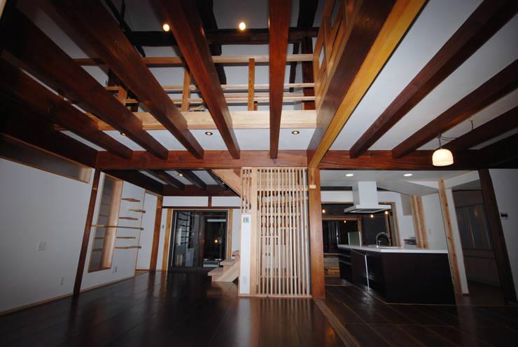 改修後リビング: 一級建築士事務所  馬場建築設計事務所が手掛けたです。