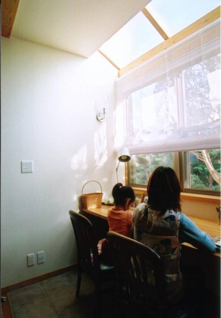 和歌山の家 モダンデザインの 書斎 の 株式会社 atelier waon モダン
