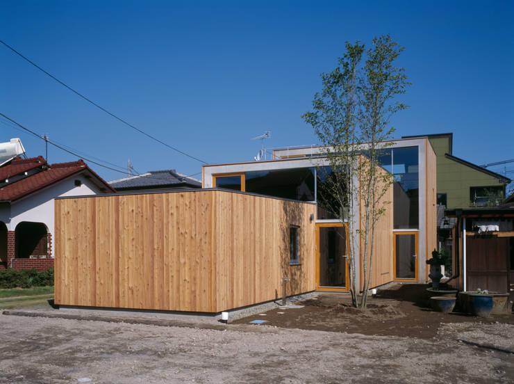 Casas modernas por 桐山和広建築設計事務所