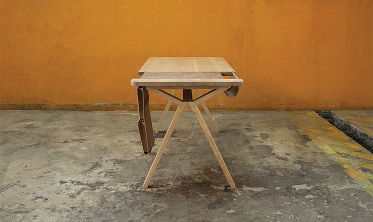 BOLSA DESK: Casa  por Wewood - Portuguese Joinery