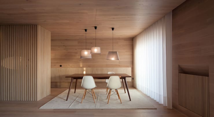 Apartamento na Póvoa de Varzim: Salas de estar  por Pitagoras Group