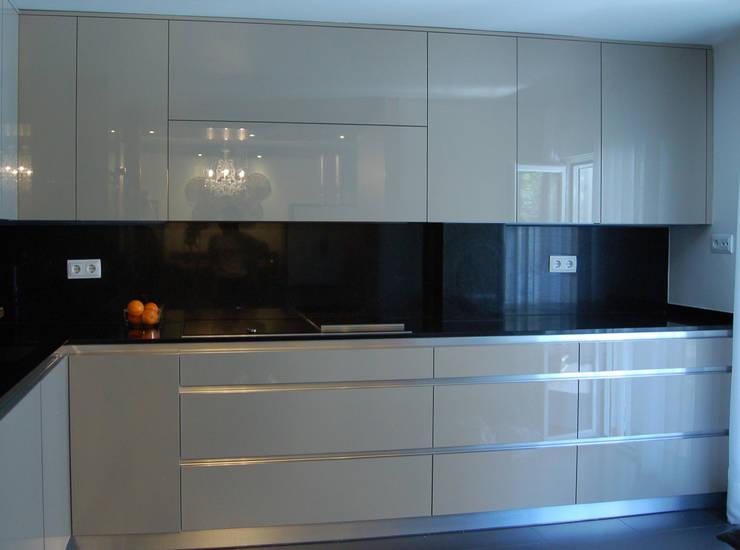 Vivienda en Getafe, Madrid: Cocinas de estilo  de Arquitectura de Interior