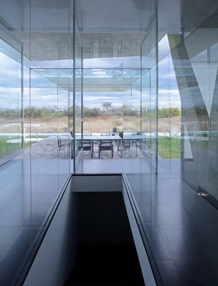 Campanario Pasillos, vestíbulos y escaleras modernos de AXD Arquitectos Moderno