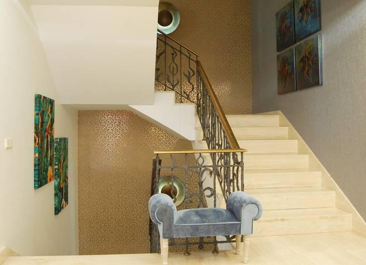 Projekty,  Korytarz, przedpokój zaprojektowane przez Arquitectura de Interior