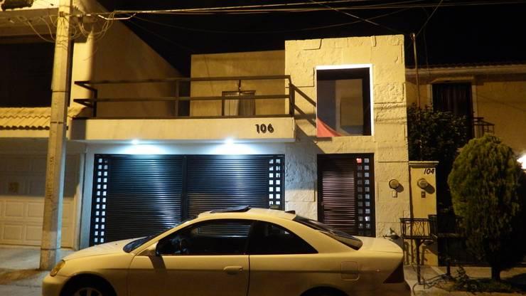 Remodelación  Casa Garcia Rojas:  de estilo  por Flores Rojas Arquitectura