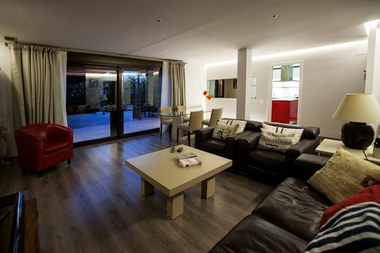 Casa Victoria: Salones de estilo  de mdm09 arquitectura