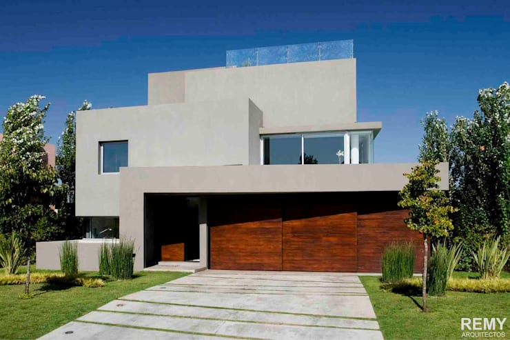 Casa de la Cascada: Casas de estilo moderno por Remy Arquitectos