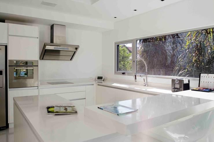 مطبخ تنفيذ Remy Arquitectos