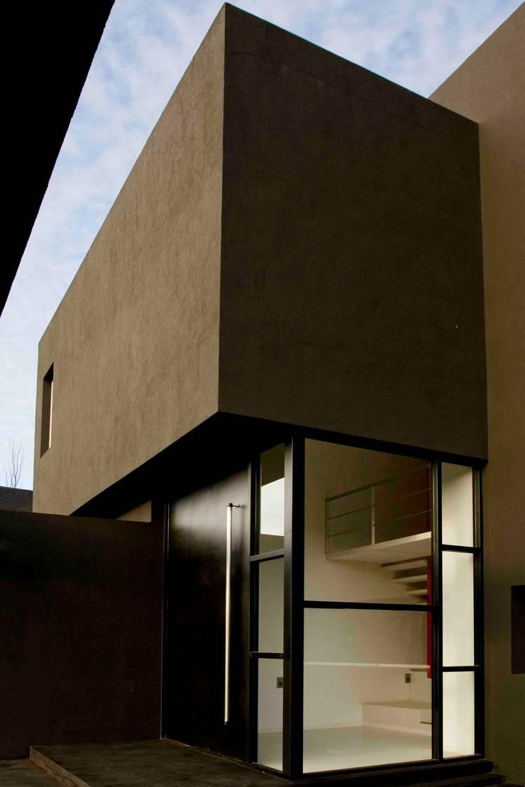 Rumah oleh Remy Arquitectos, Modern